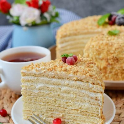 Russian Honey Cake (Medovik) Recipe-How To Make Russian Honey Cake (Medovik)-Delicious Russian Honey Cake (Medovik)