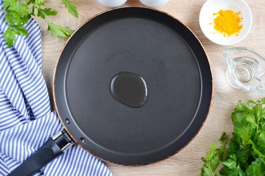 Simple Vegan Scrambled Eggs recipe - step 2