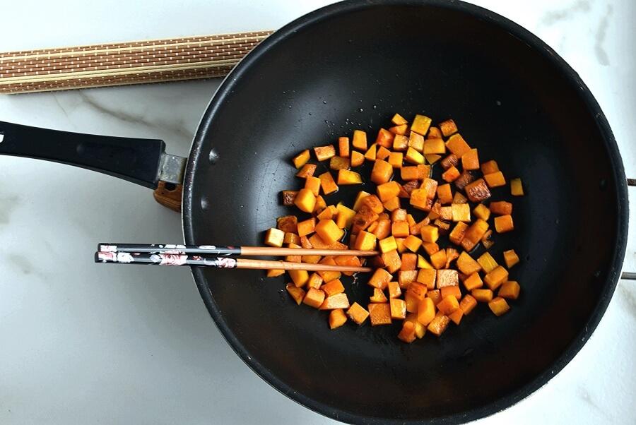 Stir-Fried Tofu, Red Cabbage and Winter Squash recipe - step 4