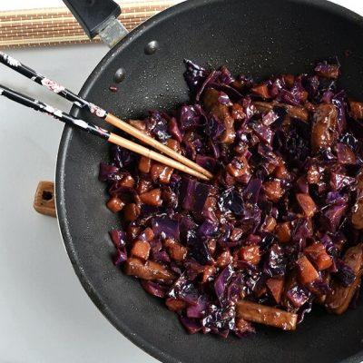 Stir-Fried Tofu, Red Cabbage and Winter Squash recipe - step 7
