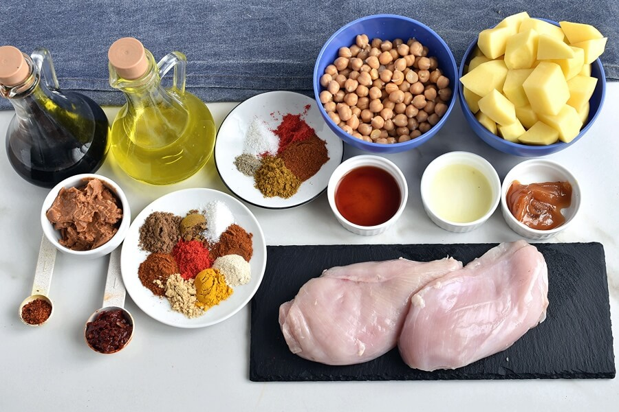 Ingridiens for Tandoori Chicken Bowls with Peanut Sauce
