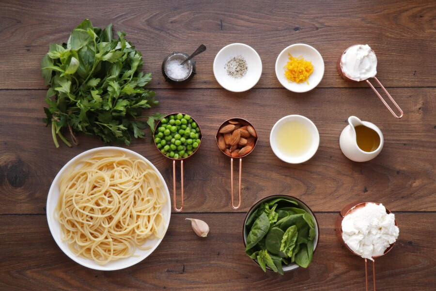 Winter Pesto Spaghetti With Lemon Ricotta Recipe-Fresh Green Pesto Pasta with Lemon Ricotta Cream-Creamy Lemon Ricotta Pesto Spaghetti