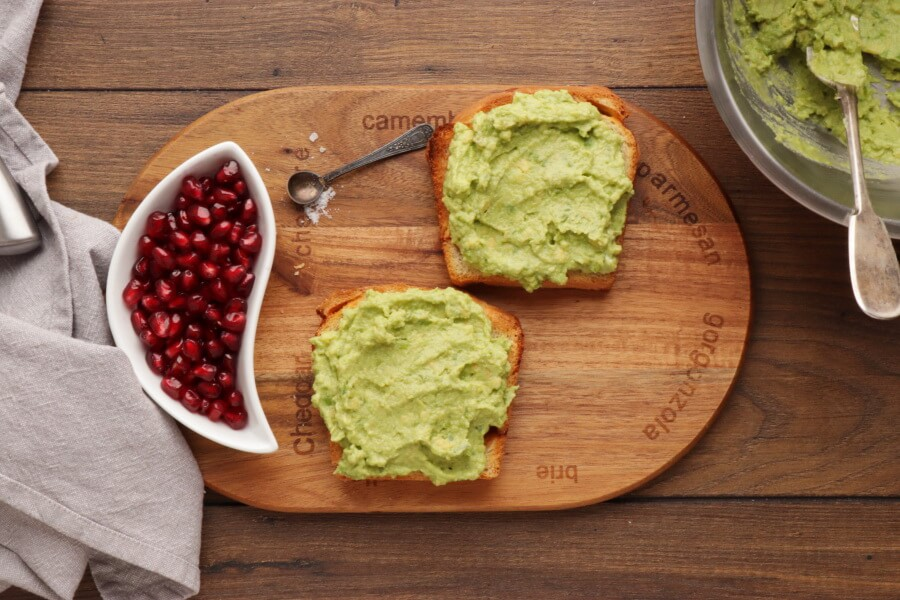 Avocado Toast with Persimmon and Pomegranate recipe - step 2