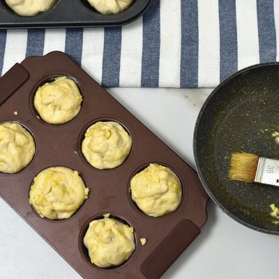 Bacon and Mashed Potato Knots recipe - step 8