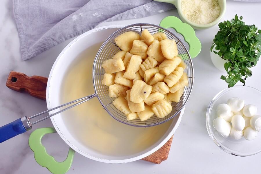 Caprese Gnocchi recipe - step 8