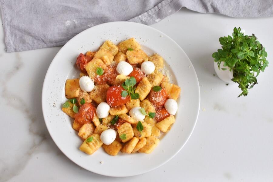 How to serve Caprese Gnocchi