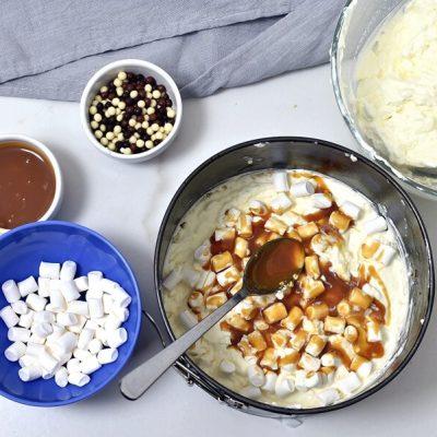 Caramel Mountain Top Cheesecake recipe - step 9