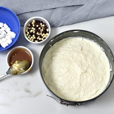 Caramel Mountain Top Cheesecake recipe - step 10