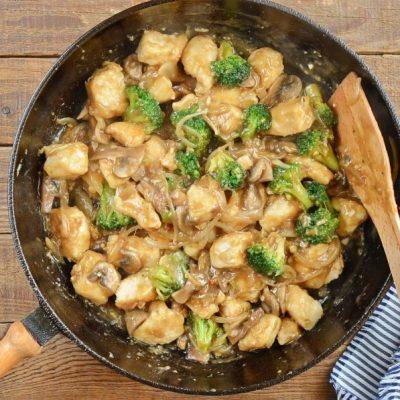Chicken Broccoli and Mushroom Stir Fry recipe - step 6