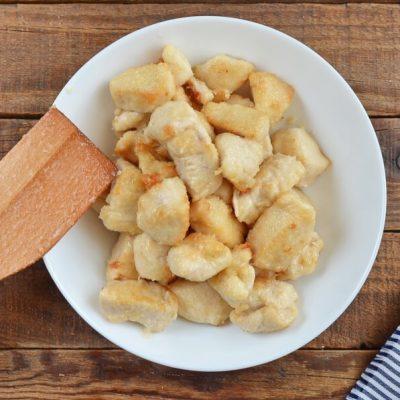 Chicken Broccoli and Mushroom Stir Fry recipe - step 3