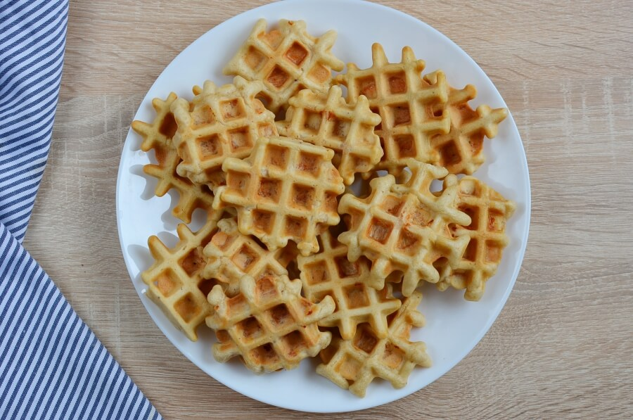How to serve Chicken & Waffle Bites