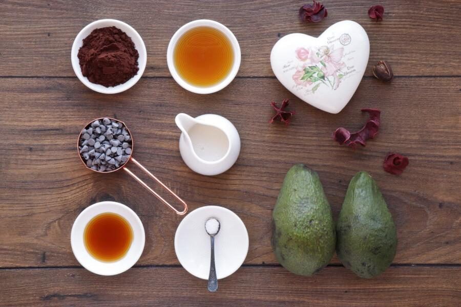 Ingridiens for Chocolate Avocado Pudding