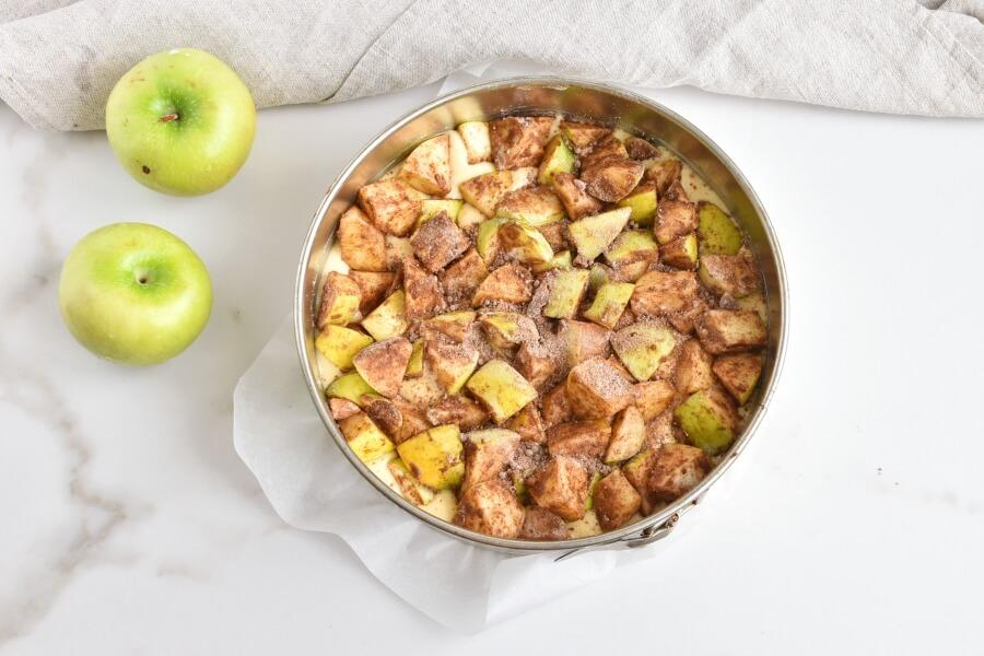 Cinnamon Swirl Topped Apple Cake recipe - step 8