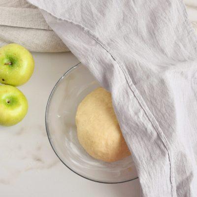 Cinnamon Swirl Topped Apple Cake recipe - step 4