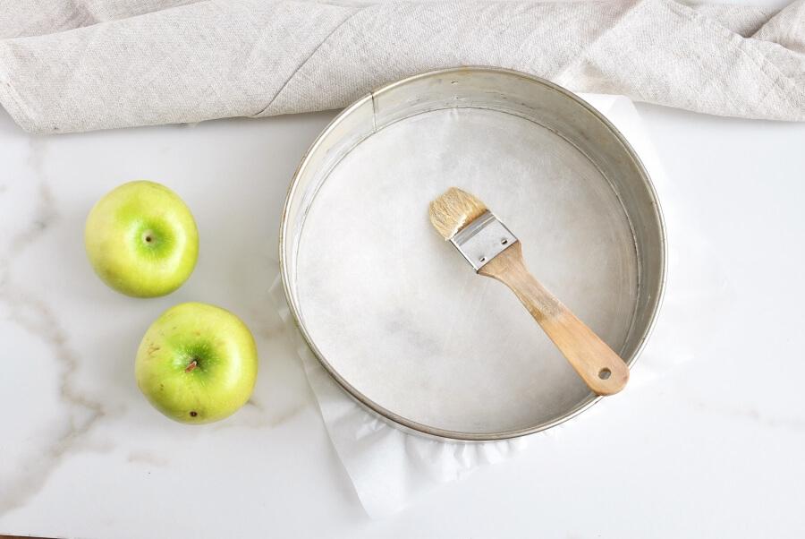 Cinnamon Swirl Topped Apple Cake recipe - step 5