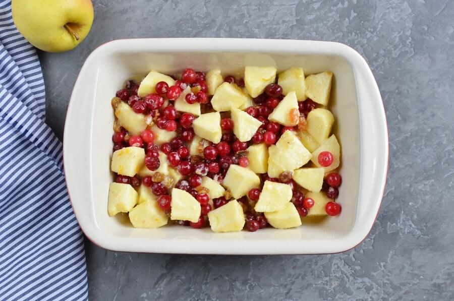 Cranberry Apple Raisin Crisp recipe - step 4