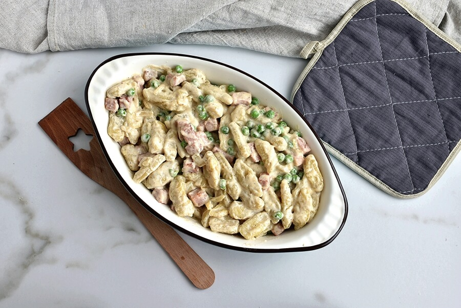 Creamy Baked Gnocchi with Ham and Peas recipe - step 7