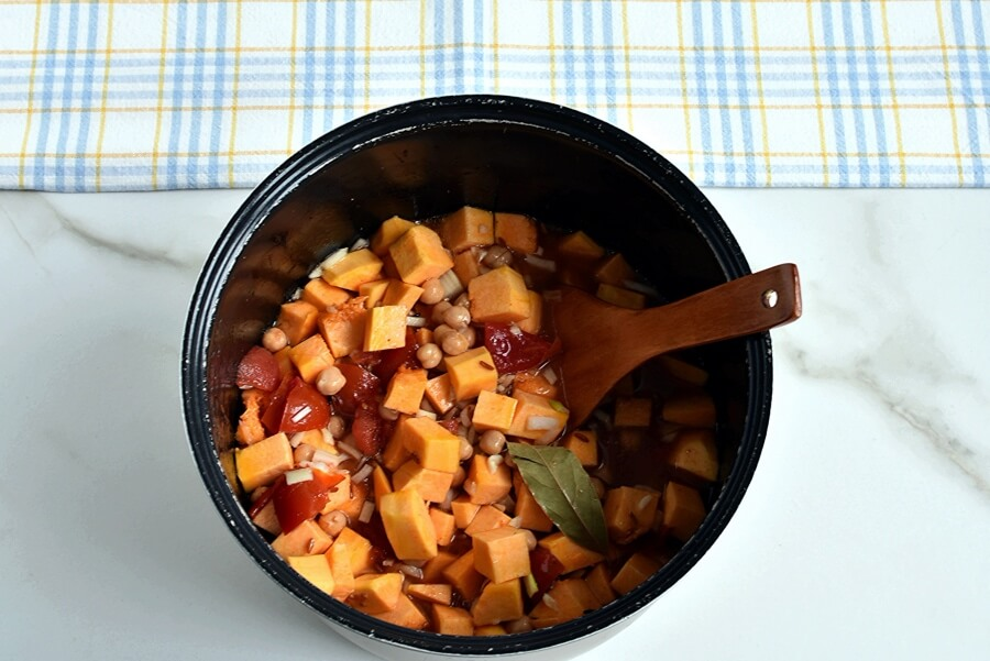 Crockpot Curried Sweet Potato Chili recipe - step 3