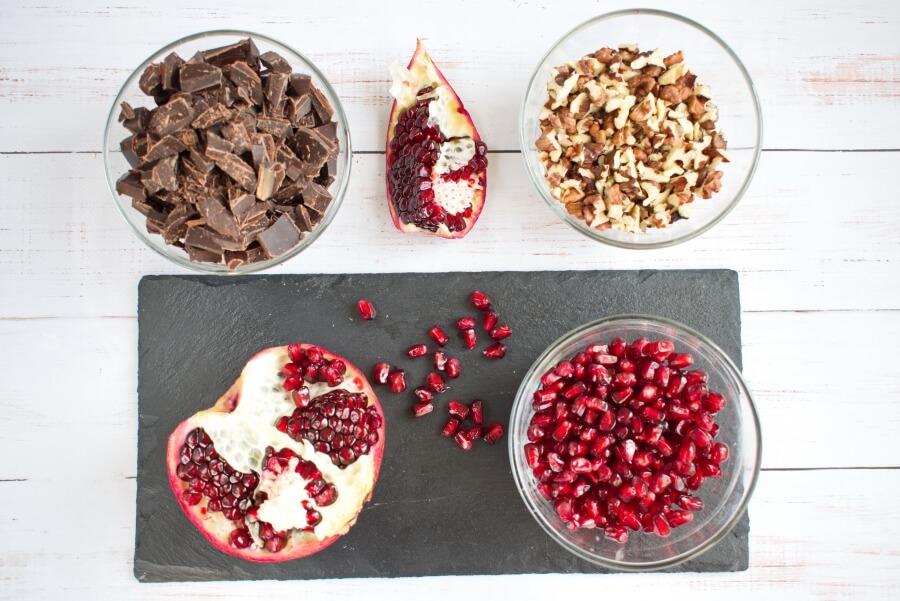 Ingridiens for Dark Chocolate Walnut Pomegranate Clusters