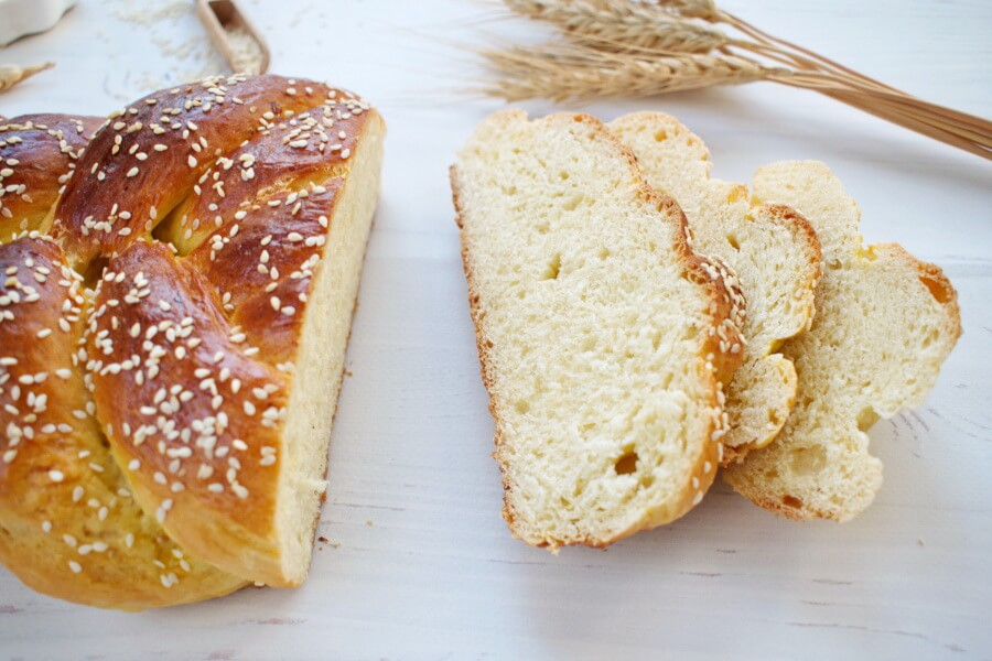 How to serve Easy Challah Bread