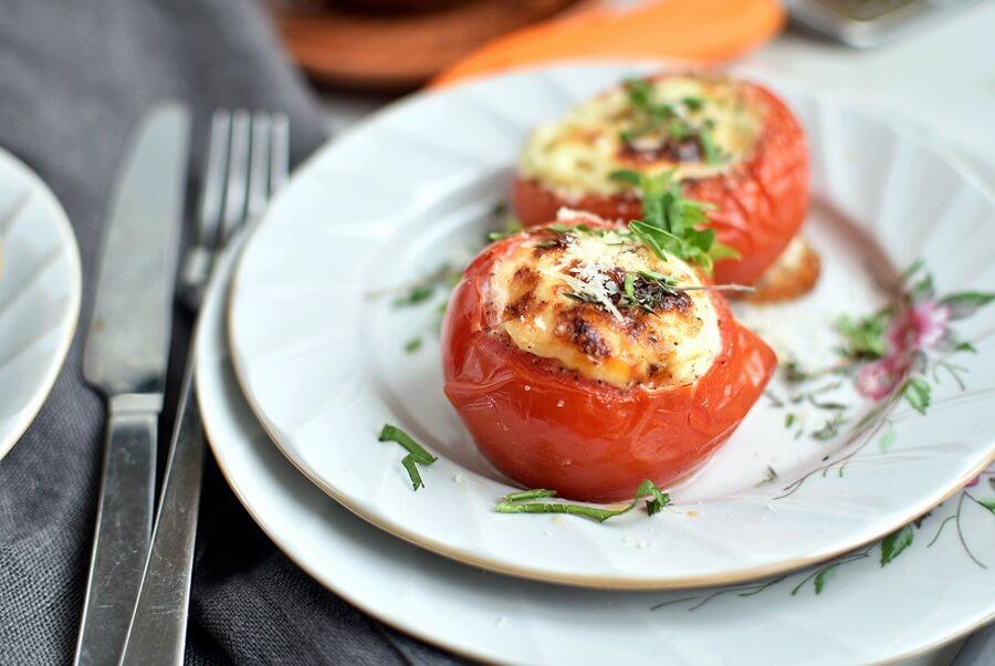 Eggs Baked in Tomatoes Recipe-Homemade Eggs Baked in Tomatoes - Easy Eggs Baked in Tomatoes