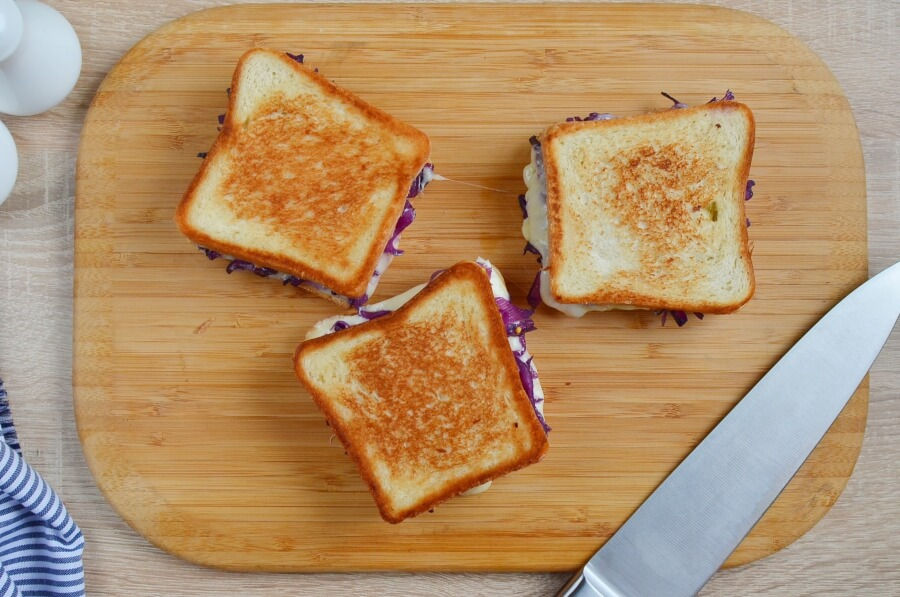 Grilled Cheese and Red Cabbage Sandwiches recipe - step 4