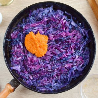 Grilled Cheese and Red Cabbage Sandwiches recipe - step 2