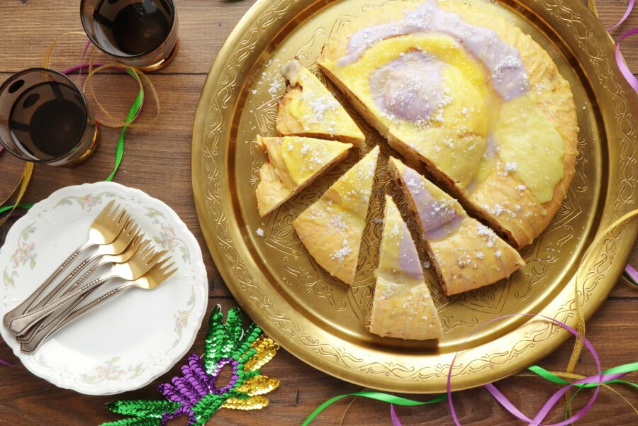 How to serve King Cake for Mardi Gras