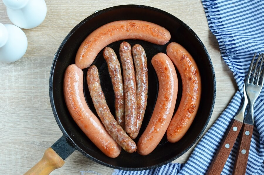 Knocks 'n' Brats & Red Cabbage & Roasted Potatoes recipe - step 7