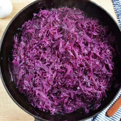 Knocks 'n' Brats & Red Cabbage & Roasted Potatoes recipe - step 5