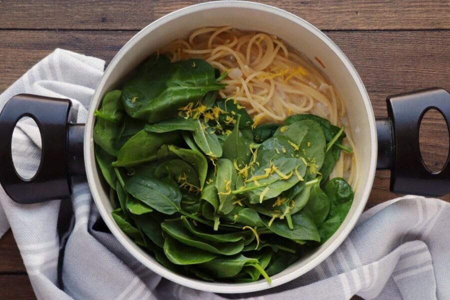 Vegan Lemon Spaghetti with Spinach recipe - step 4