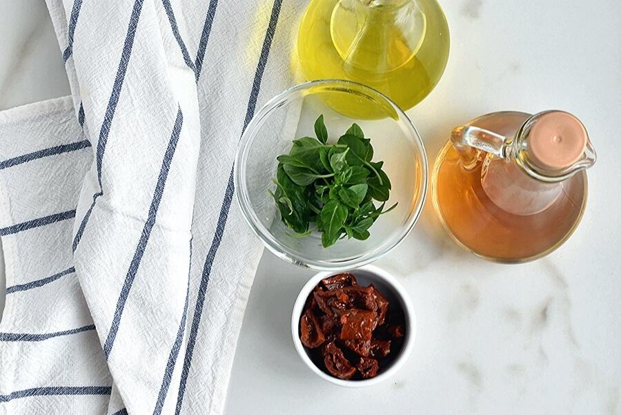 Orzo with Creamy Sun-Dried Tomato Basil Sauce recipe - step 1
