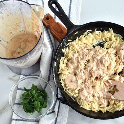 Orzo with Creamy Sun-Dried Tomato Basil Sauce recipe - step 8