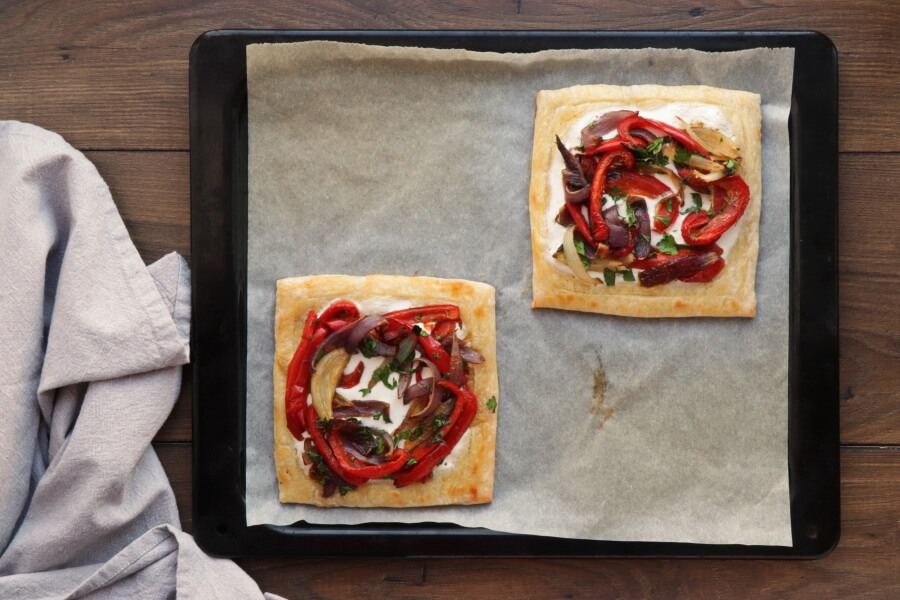Red Pepper and Baked Egg Galettes recipe - step 12