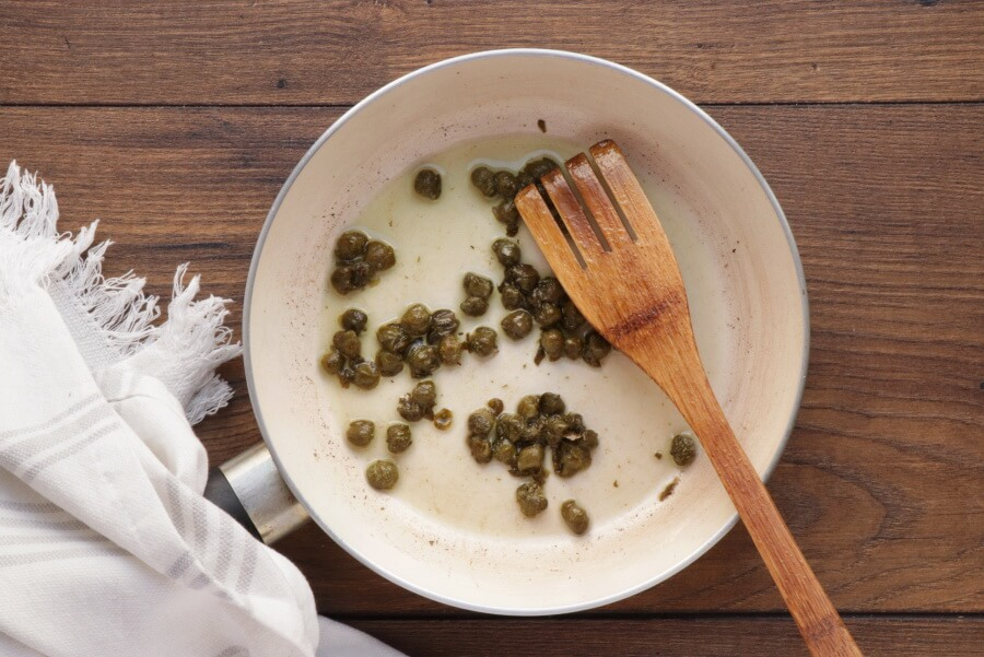 Cauliflower Soup with Frizzled Leeks and Capers recipe - step 10
