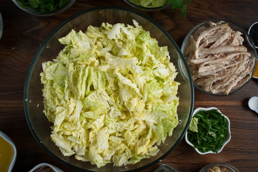 Spicy Cabbage Salad with Turkey and Peanuts recipe - step 1