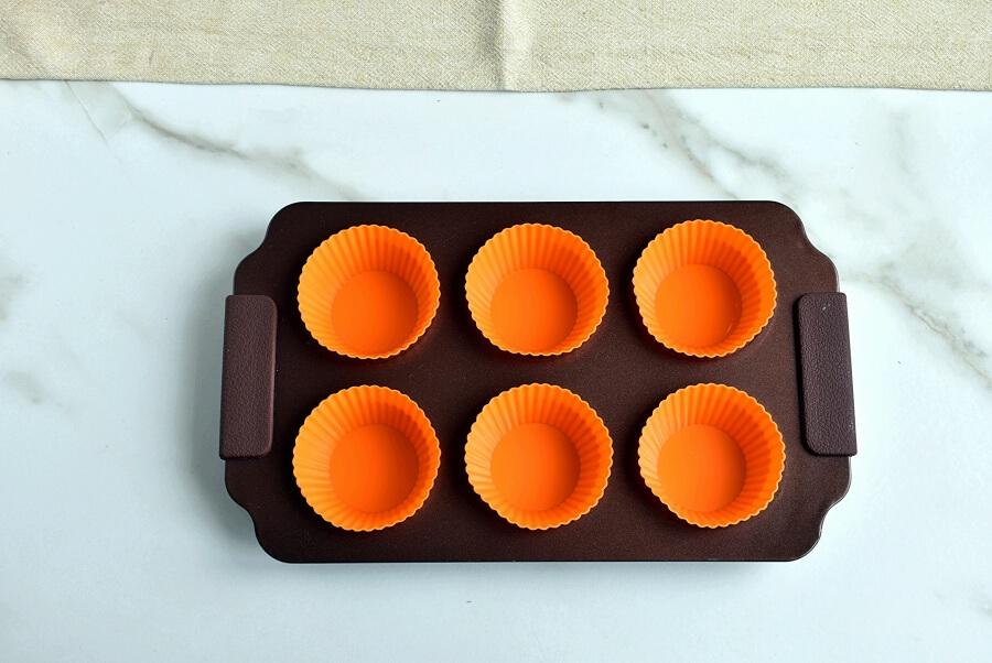 Triple Chocolate Mini Cheesecakes recipe - step 1