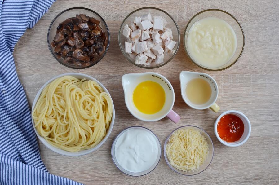 Ingridiens for Turkey Tetrazzini