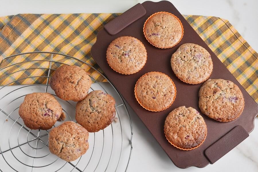 Berry Cream Muffins recipe - step 7