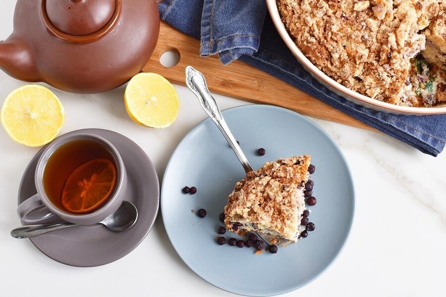How to serve Blueberry Queso Fresco Crumble Cake