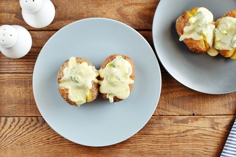 How to serve Broccoli Cheddar Stuffed Baked Potatoes