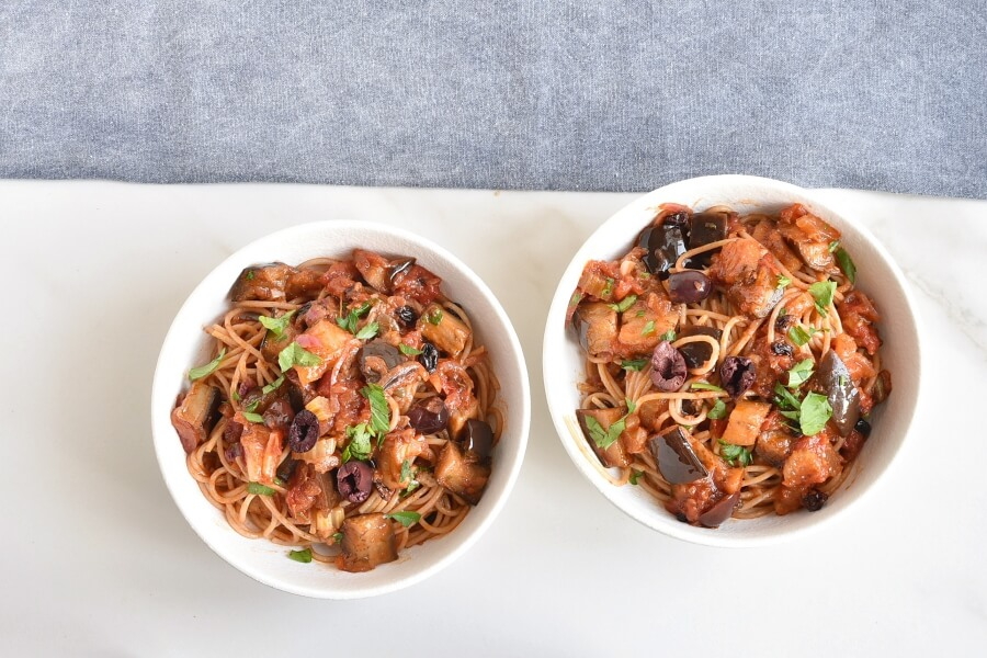 How to serve Caponata spaghetti with Eggplant