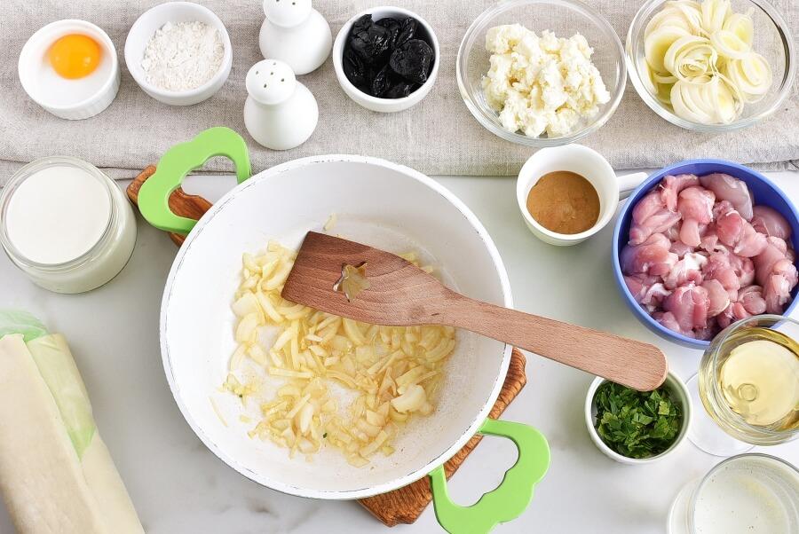 Chicken, Leek and Caerphilly Cheese Pie recipe - step 2