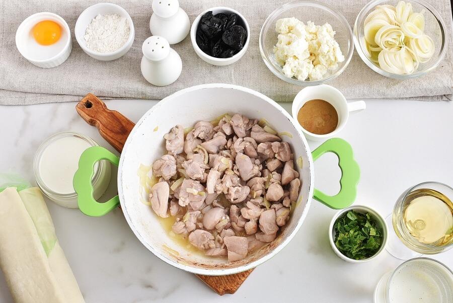 Chicken, Leek and Caerphilly Cheese Pie recipe - step 3