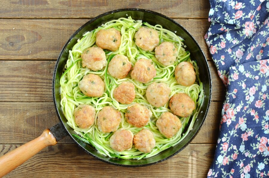 Garlic Butter Meatballs with Zoodles recipe - step 7