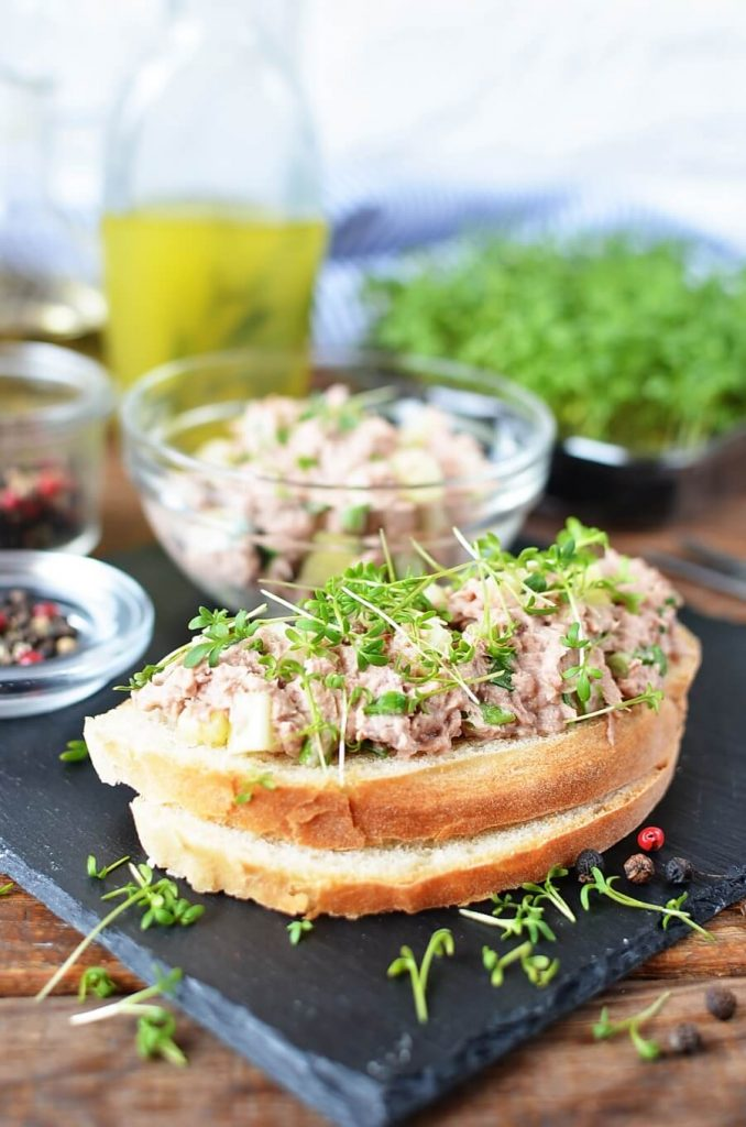 Smooth Tuna and Chives in a Yogurt Dressing