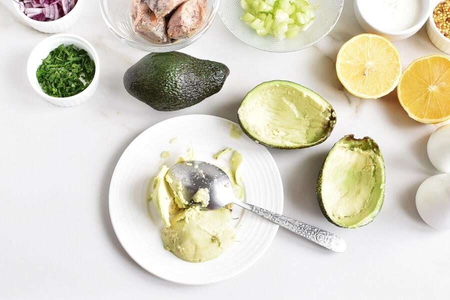 Healthy Tuna Salad Stuffed in Avocado recipe - step 2