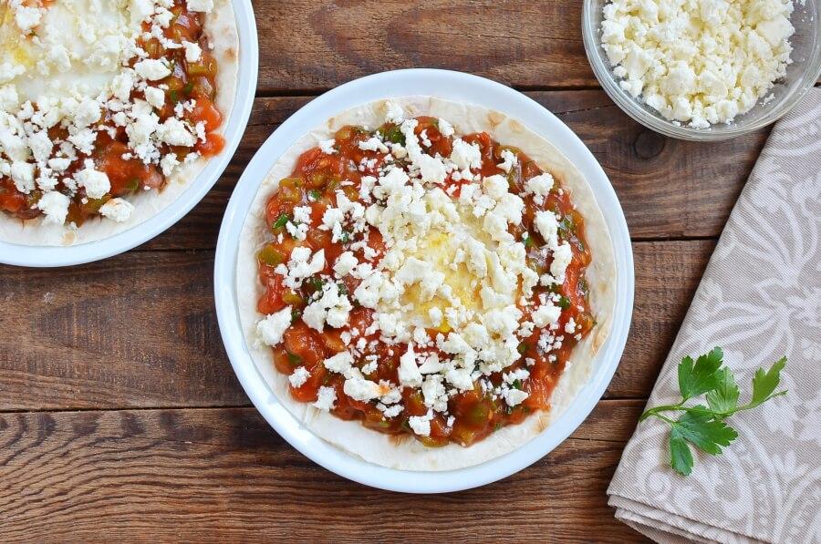 Huevos Rancheros with Queso Fresco recipe - step 7