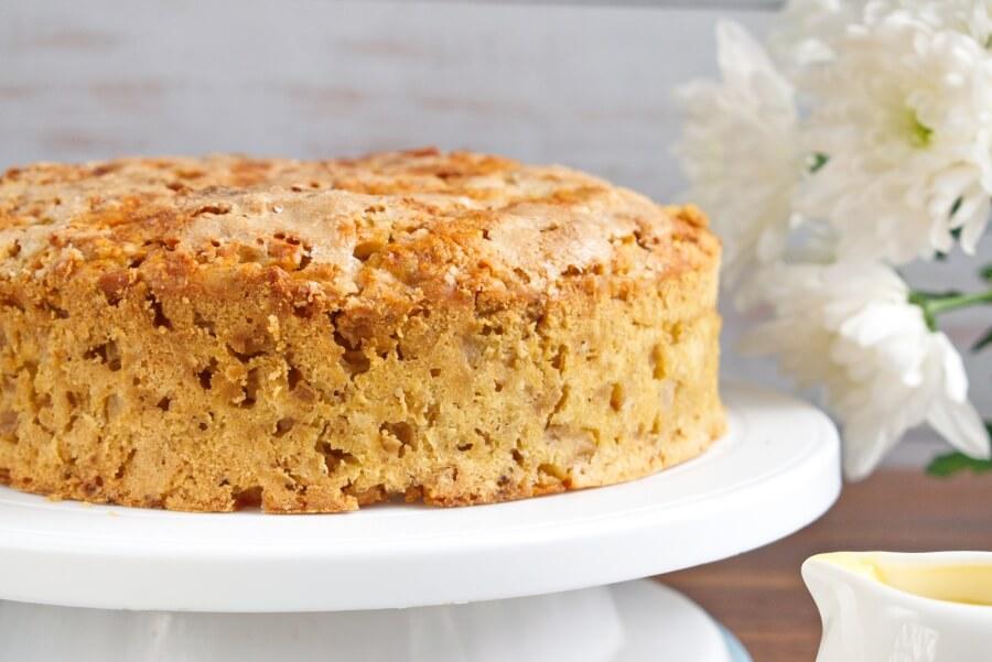 How to serve Irish Apple Cake with Custard Sauce