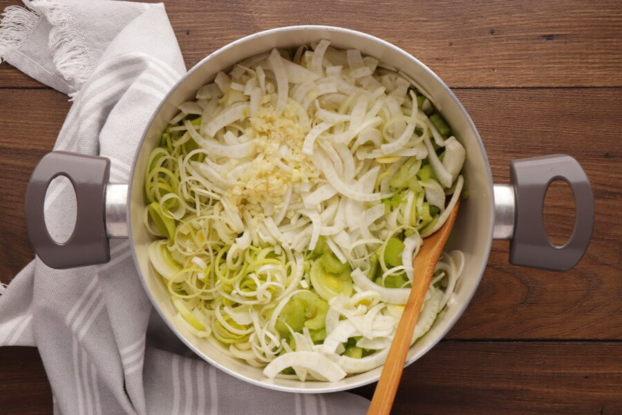 Leek and Fennel Soup recipe - step 1